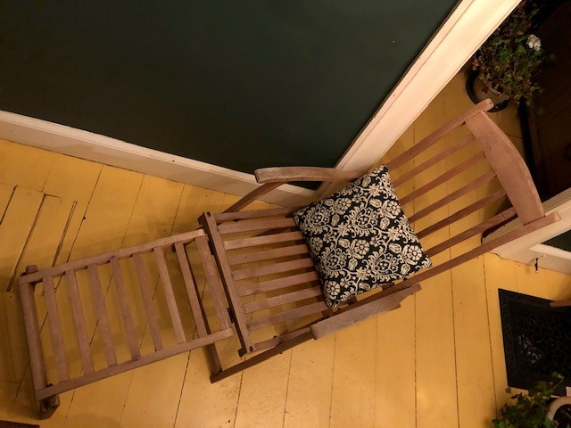 Ship deck fold up chair